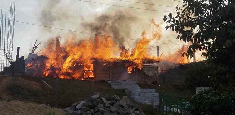 Ein Beispiel für die zunehmende Gewalt gegen Christen: Eine in Brand gesetzte Kirche (Januar 2019)