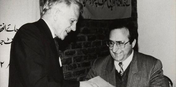 Bruder Andrew (links) mit Pastor Haik Hovsepian