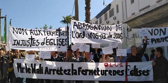 Christen in Algerien protestieren gegen die Schließungen mehrerer Kirchen